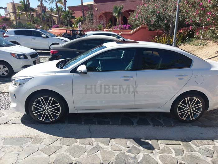 Click image for larger version  Name:2017-Kia-Rio-Sedan-profile-spy-shot.jpg Views:567 Size:92.9 KB ID:37761